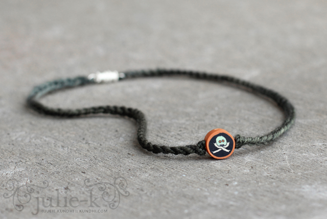 skull and crossbones bead crochet necklace