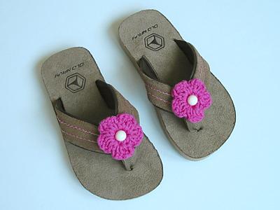dress up a pair of flip flops