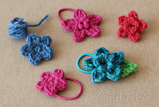 tiny crochet flowers + other small things